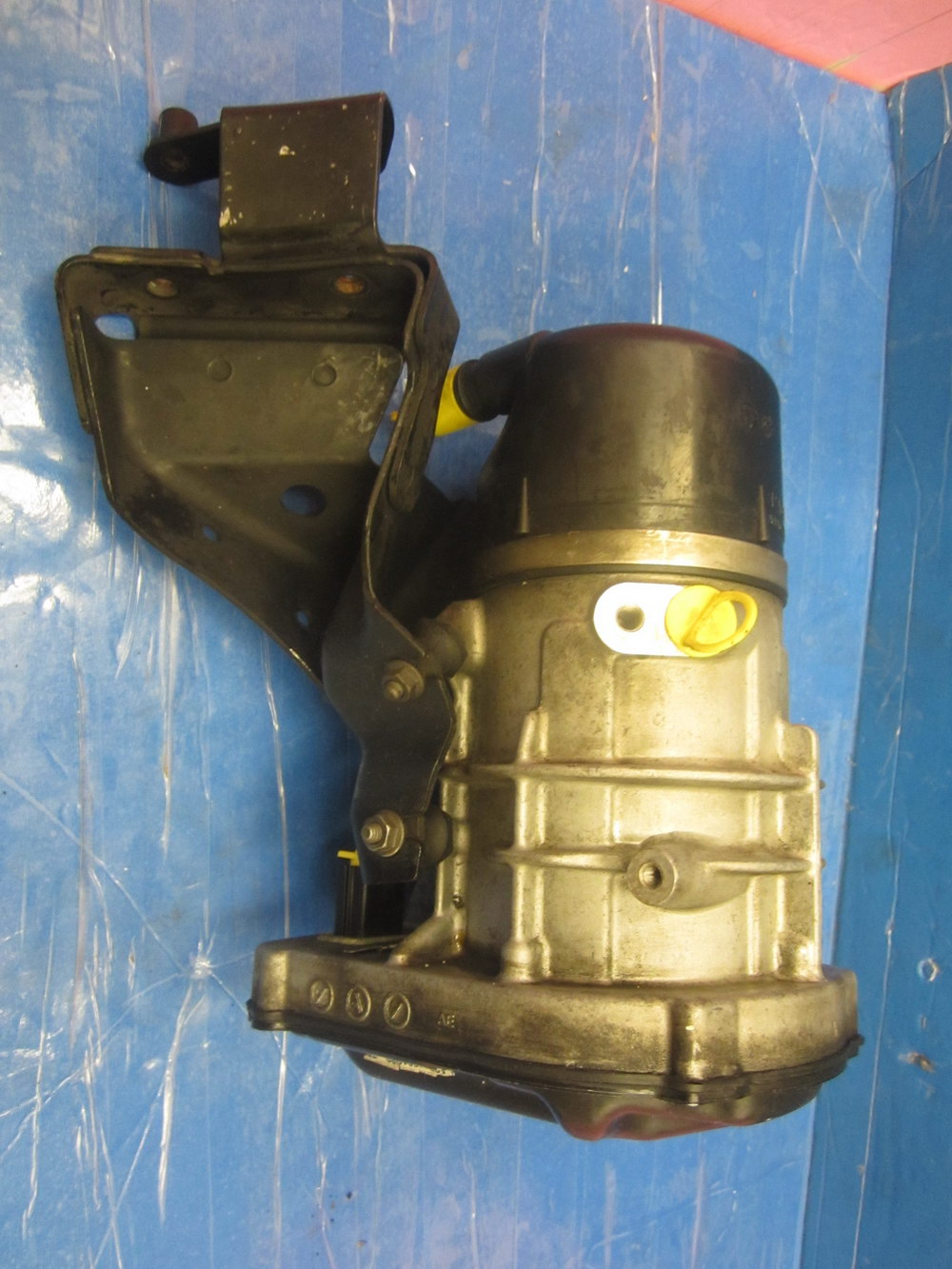 Mercedes Benz Power Steering Pump 2214601080 Used