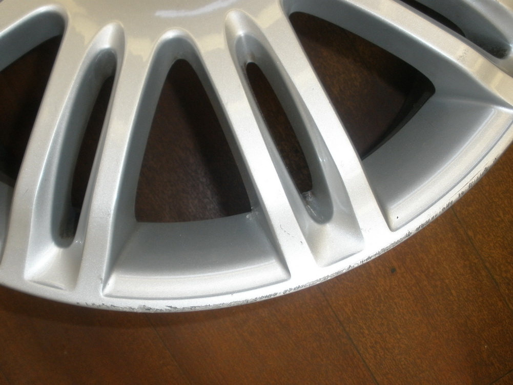 Mercedes benz wheel rim need repair 2114015302 used auto parts mercedes benz used parts for Mercedes benz replacement parts for the interior