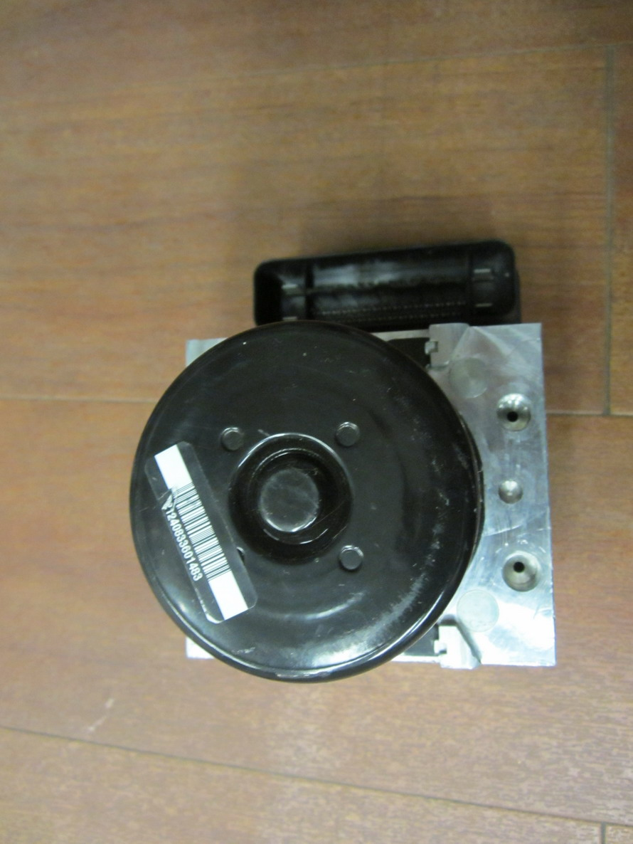 Mercedes benz abs unit 2215458732 used auto parts for Used mercedes benz parts