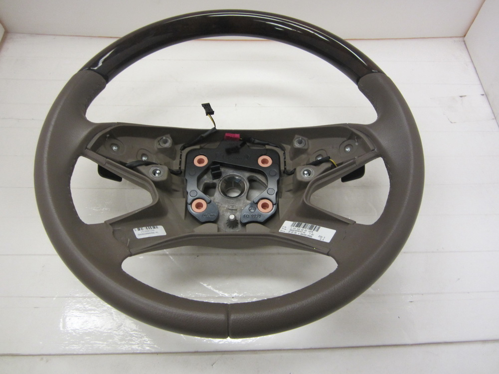 Mercedes benz steering wheel 164 460 60 03 used auto for Used parts for mercedes benz