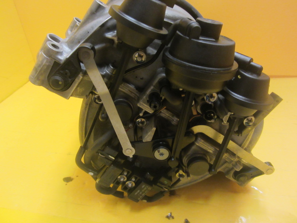 Mercedes benz intake manifold 2721402401 used auto for Mercedes benz salvage parts