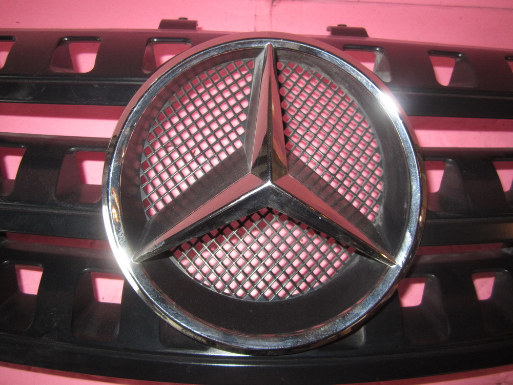 Mercedes benz grille a1648880141 used auto parts for Mercedes benz grille