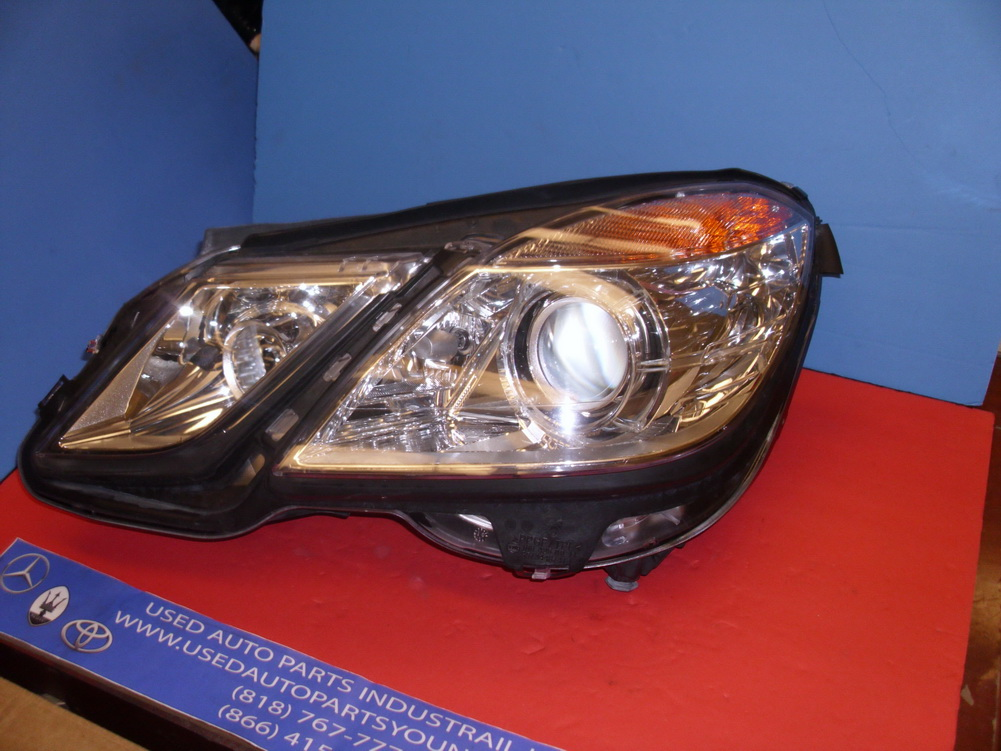 Mercedes benz headlight a2128205961 used auto parts for Used mercedes benz auto parts