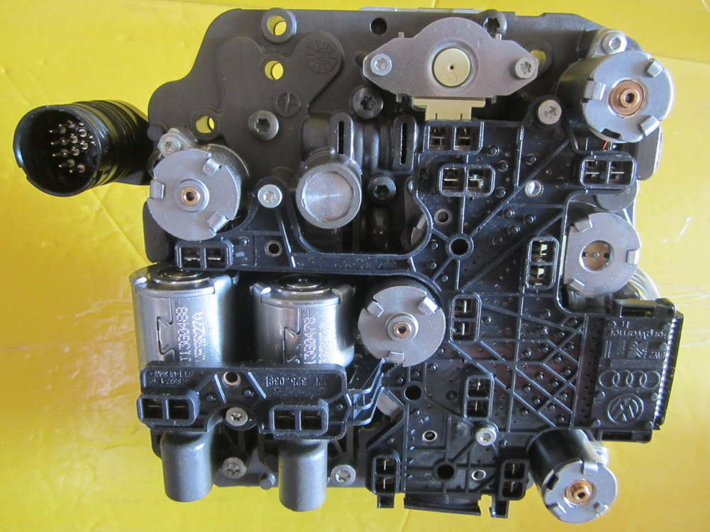 volkswagen dsg mechatronic vw passat transmission valve body 02e325025ae used auto parts. Black Bedroom Furniture Sets. Home Design Ideas