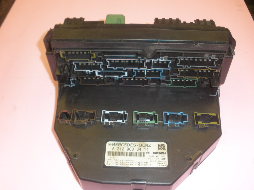 fuse box 2129005912 used auto parts mercedes benz 1985 300sd mercedes benz parts diagrams #9