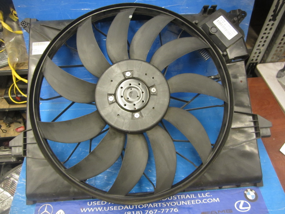 Mercedes benz engine cooling fan 1645000093 used auto for Mercedes benz engine coolant