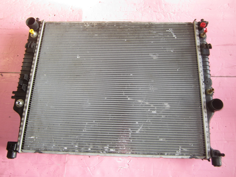 Mercedes benz ml350 radiator a2515000004 used auto for Mercedes benz radiator