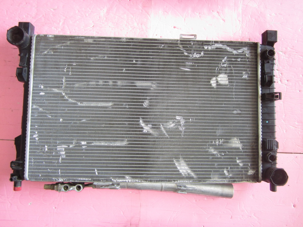 Mercedes benz radiator 2035003403 used auto parts for Mercedes benz coolant