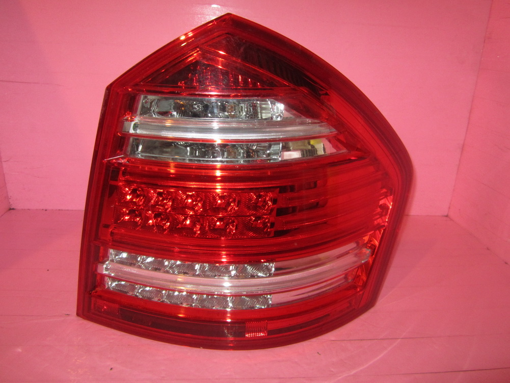 Mercedes benz taillight tail light 1648203464 used for Mercedes benz srs light