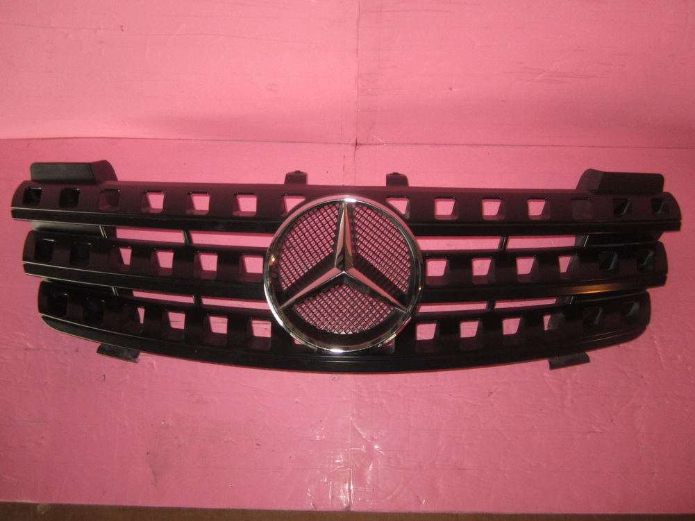 Mercedes benz grille a1648880141 used auto parts for Mercedes benz auto parts